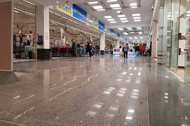 shopping centre grinding and polishing granit floor